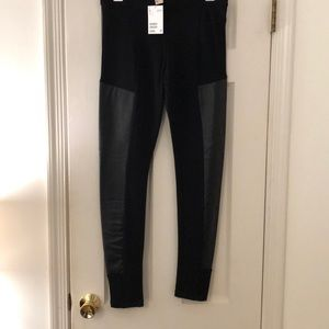 Black leggings with leather-like detail